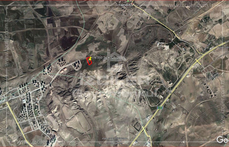 Acele Yapracıkda 30 metrelik Bulvarda Emsal 2,30 da 250 m2 Hisse