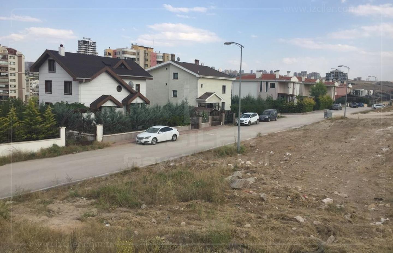 Çayyolu Park Caddesine Yürüme Mesafesinde Satılık Arsa