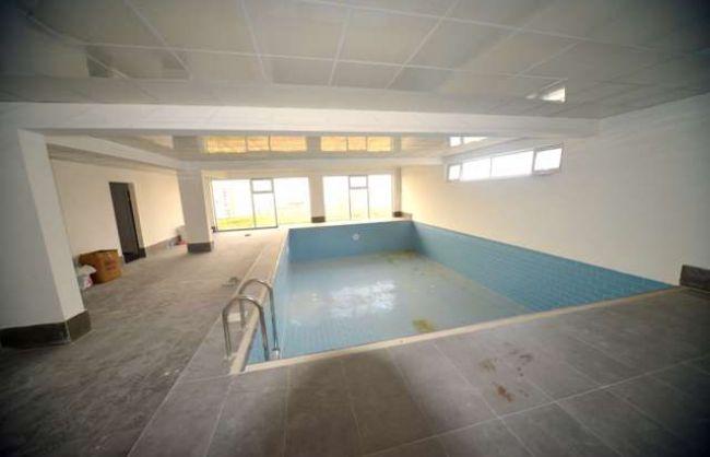 BAĞLICADA KATTA TEK DAİRE ACİLLL SATILIK 4+1 kapalı yüzme havuz+kapalı garajlı