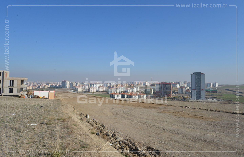 Elvan Ayyıldız Oğuzlar Mahallesinde 2000 m2 Bulvara Cephe Arsa